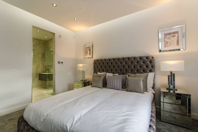 Thumbnail Property for sale in Wavel Mews, South Hampstead