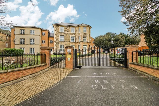 Flat for sale in Sloane Court, The Grove, Isleworth, London