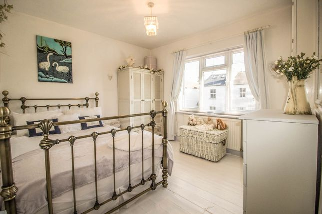 Thumbnail Property to rent in Elm Tree Avenue, Esher