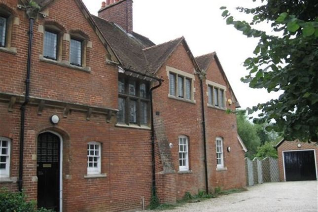 Thumbnail Property to rent in Vicarage Road, Oxford