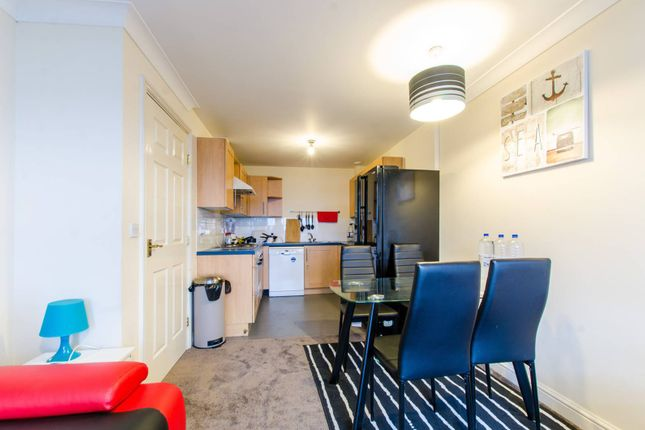 Thumbnail Flat to rent in Maltings Close, Tower Hamlets