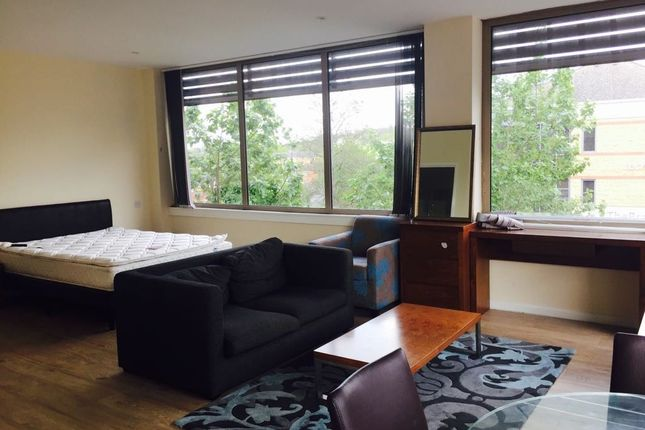 Thumbnail Flat to rent in London Road