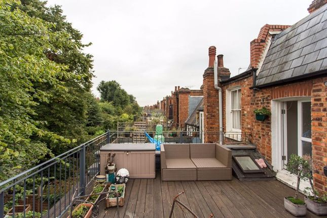 Terrace 2 of Gladsmuir Road, Whitehall Park N19