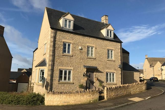Thumbnail Semi-detached house for sale in Moss Way, Cirencester