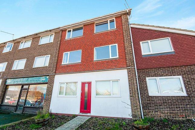 Thumbnail Flat to rent in Windsor Way, Polegate