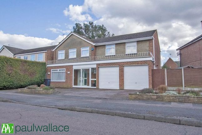 Thumbnail Detached house for sale in Woodstock Road, Broxbourne