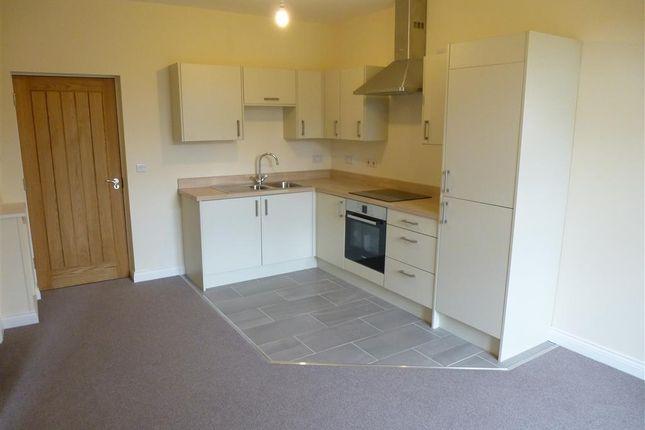 Thumbnail Flat to rent in Devonshire Drive, Eastwood, Nottingham