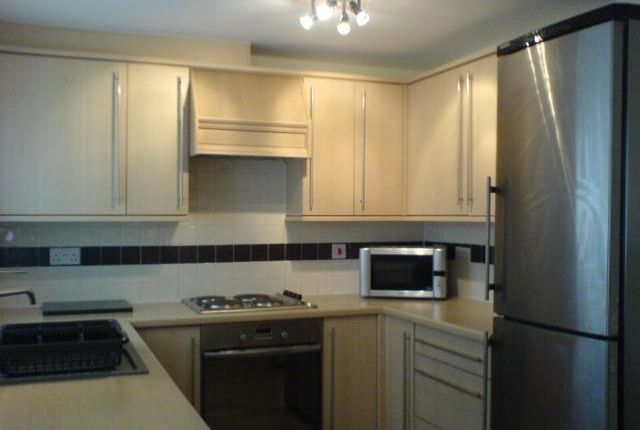 Thumbnail Flat to rent in Chandlers Court, Victoria Dock, Hull, East Yorkshire