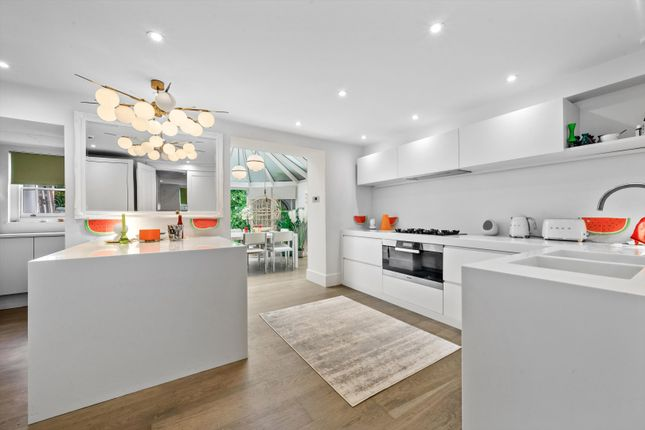 Thumbnail Terraced house to rent in Elgin Crescent, Notting Hill, London
