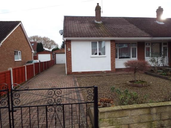 3 bed bungalow for sale in Whitcliffe Drive, Ripon, North Yorkshire