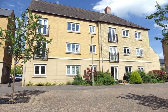 Thumbnail Flat to rent in New Bridge Street, Witney, Oxfordshire