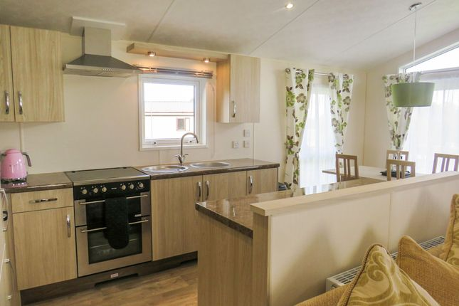 Thumbnail Mobile/park home for sale in Ranksborough Drive, Langham, Oakham