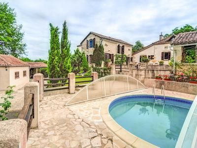 7 bed property for sale in St-Vincent-Jalmoutiers, Dordogne, France
