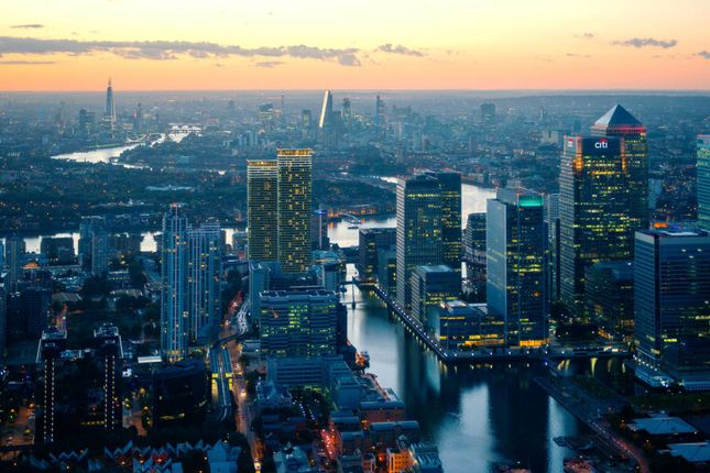 Thumbnail Flat for sale in Wardian London, Canary Wharf