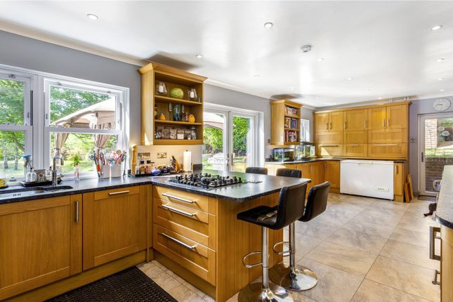 Picture No. 15 of The Glade, Kingswood, Tadworth, Surrey KT20