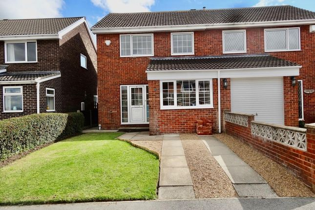 Main Picture of Petworth Croft, Royston, Barnsley S71