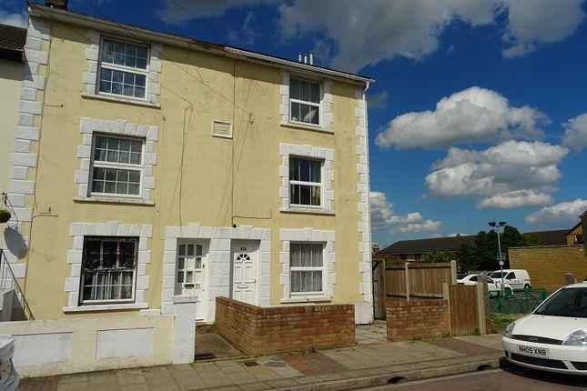 Thumbnail Flat to rent in Trafalgar Street, Gillingham, Kent.