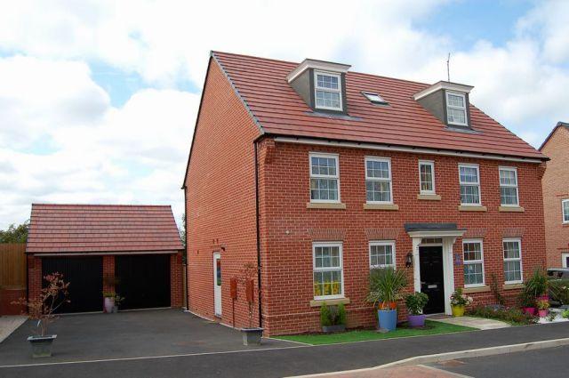 Thumbnail Detached house for sale in Morning Star Lane, Moulton, Northampton