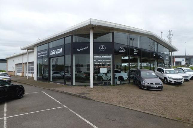 Thumbnail Industrial to let in Motor Showroom Premises Normamnby Road/Mannaberg Way, Scunthorpe, North Lincolnshire