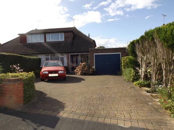 2 bed bungalow for sale in Sunnybank Road, Potters Bar, Hertfordshire