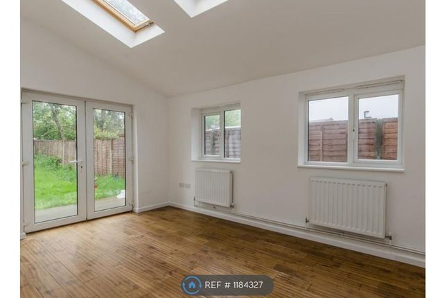 Thumbnail Flat to rent in Farnley Road, London