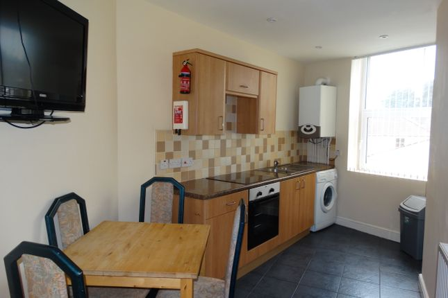 Flat to rent in Coed Saeson Crescent, Sketty, Swansea