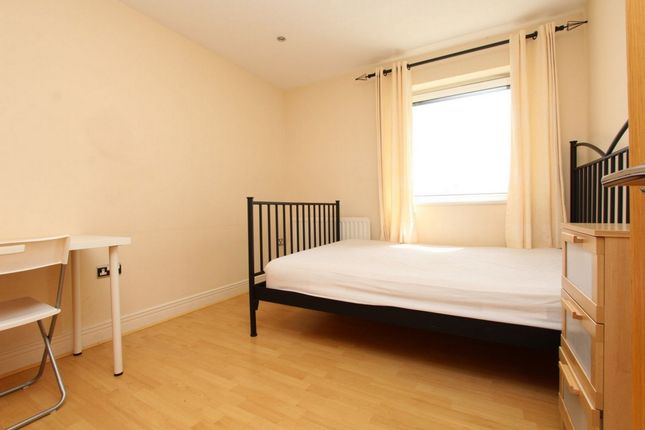Thumbnail Room to rent in Wards Wharf Approach, Custom House