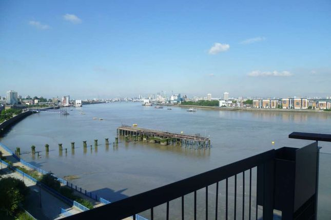 Thumbnail Flat to rent in Erebus Drive, Royal Artillery Quays, London -