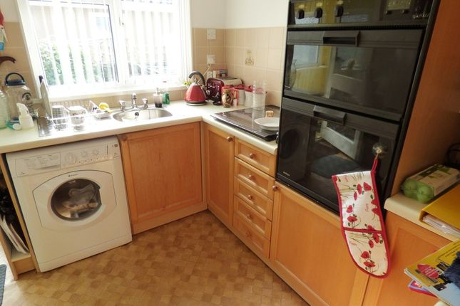 Woodlands Park Yapton Arundel BN18 2 Bedroom Mobile Home For Sale