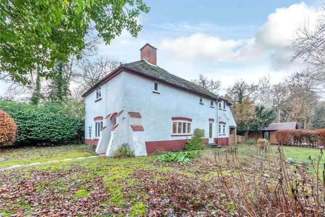 3 bed detached house for sale in Wantage Road, Donnington, Newbury, Berkshire RG14