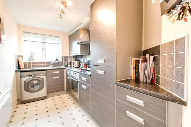 Thumbnail Flat to rent in Jenkinson Grove, Armthorpe, Doncaster