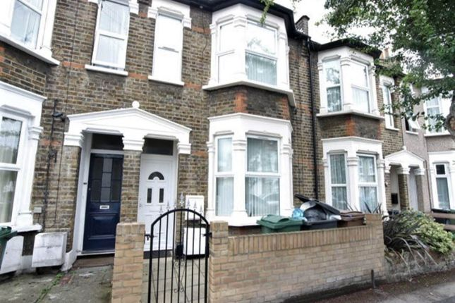 1 bed property to rent in Livingstone Road, Walthamstow, London E17