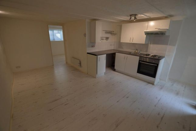 Thumbnail Flat to rent in St James Road, Torquay, Devon