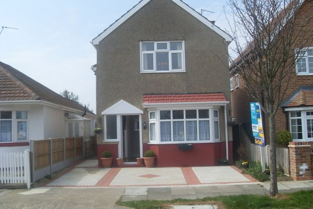 Thumbnail Detached house to rent in Lyndhurst Road, Holland On Sea