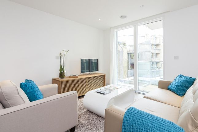 Thumbnail Flat to rent in Leonard Street, London