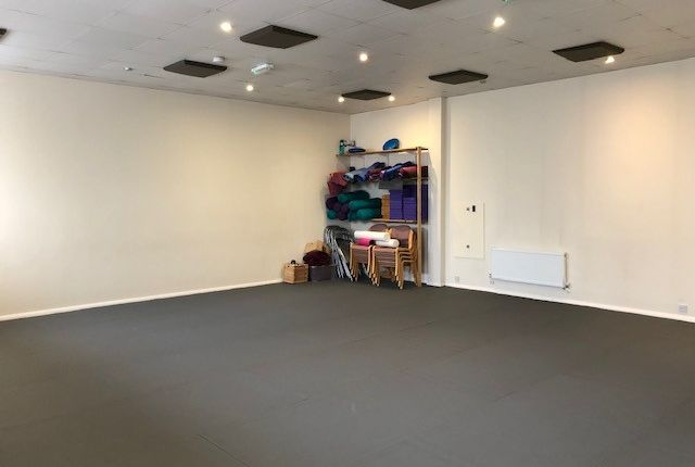 Thumbnail Leisure/hospitality to let in Lambert Way, North Finchley, London