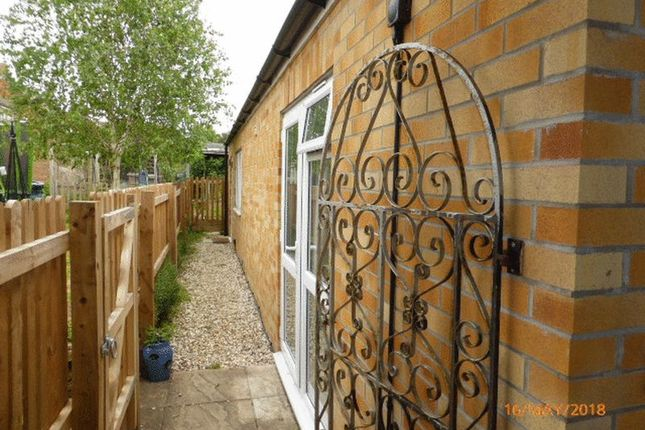 Thumbnail Flat to rent in Oakfield Road, Bishops Cleeve, Cheltenham