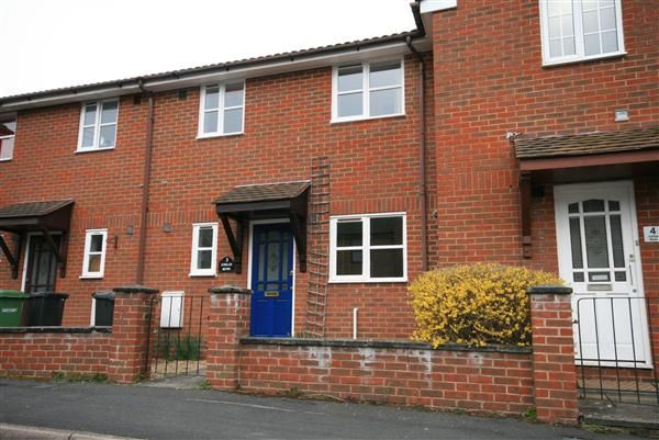 3 bed property to rent in Jubilee Mews, Netley Abbey, Southampton