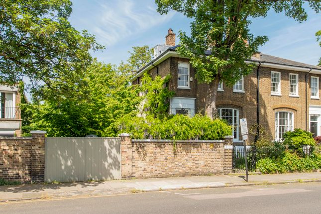 Thumbnail Detached house to rent in Northampton Park, London