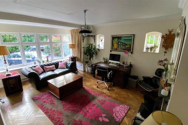 Lounge of Crescent Road, London E4