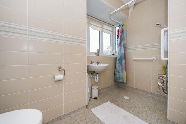 Bathroom of Liverpool Road South, Liverpool, Merseyside L31