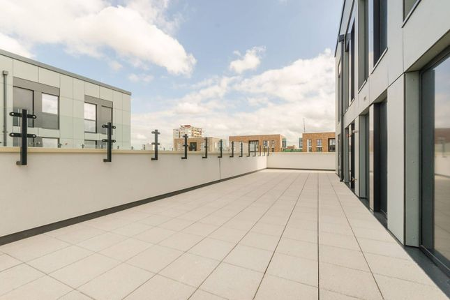 Thumbnail Flat for sale in Hopkins Court, Acton