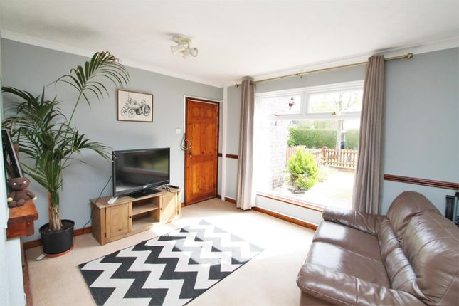Thumbnail Terraced house for sale in Travellers Lane, Hatfield