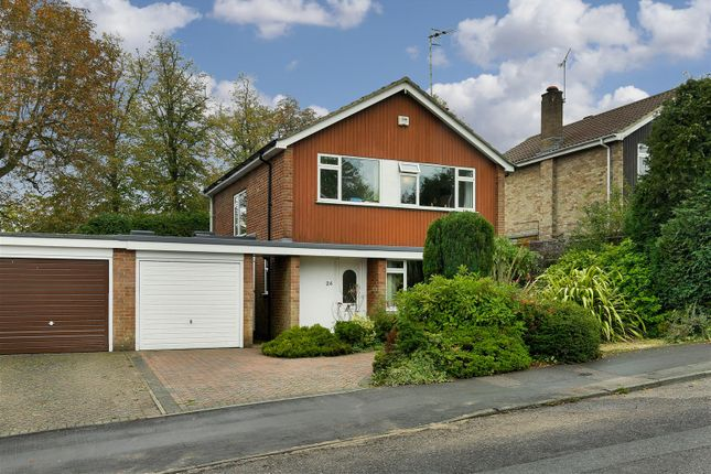 Thumbnail Property to rent in Coniston Way, Reigate