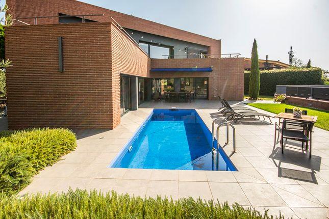 Villa for sale in Caldes D'estrac, Costa Barcelona, Spain