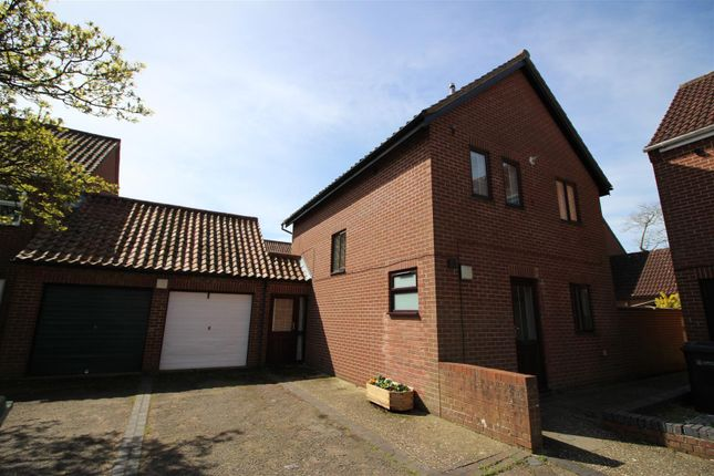 Thumbnail Property to rent in Mayes Close, Norwich