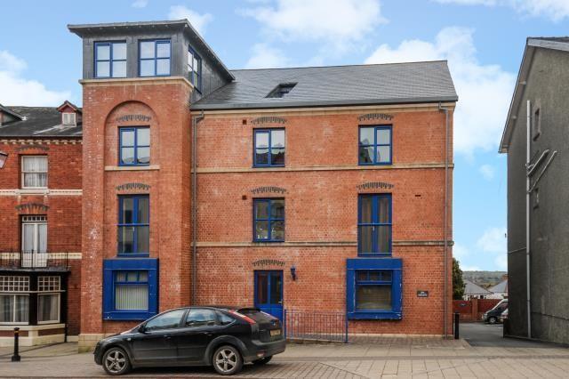 2 bed flat for sale in Spa Heights, High Street, Llandrindod Wells