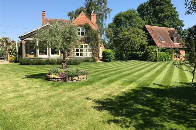 Thumbnail Detached house for sale in Faringdon