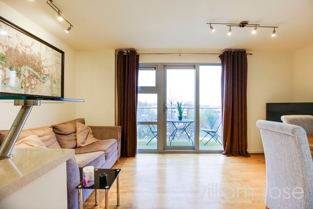 1 bed flat for sale in Jubilee Court, Queen Mary Avenue, South Woodford, London E18