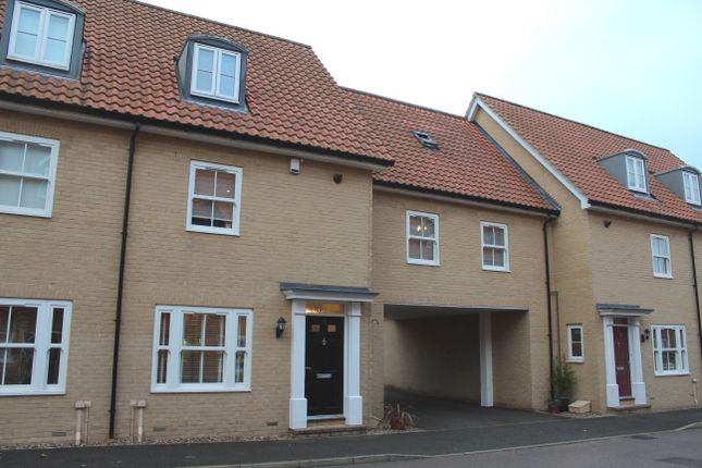 Thumbnail Town house to rent in Abbots Gate, Bury St. Edmunds